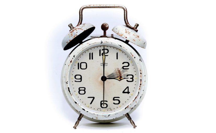 Afecteaza odihna schimbul orei?